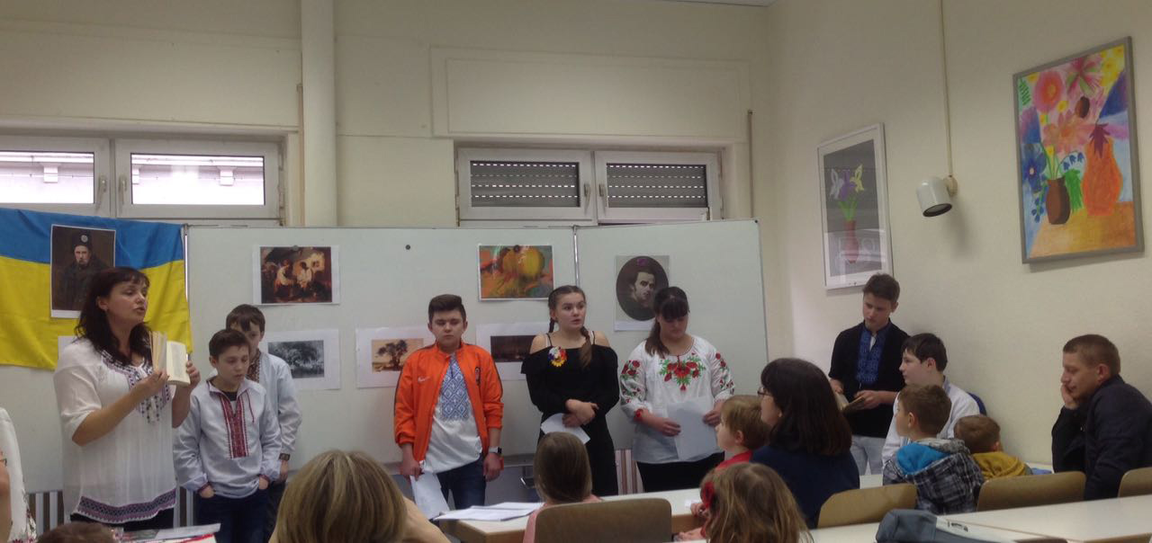 Ukrainer in Karlsruhe, Samstagsschule