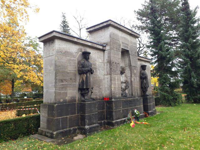Ukranisches Denkmal Rastatt, Ukrainer in Karlsruhe